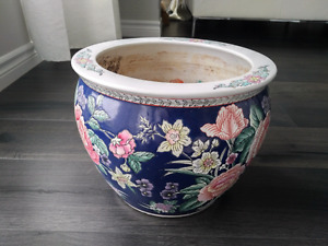 Antique ceramic Chinese fish bowl / flower pot / planter Kitchener / Waterloo Kitchener Area image 2