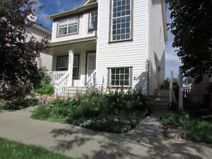 Southwest Nice 2 Story House in Terwillegar Available Pet Friend