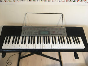 GOOD CONDITION KEYBOARD (piano)