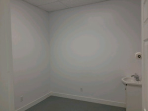 10X10 Room For Rent In Nail Salon