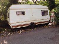 Vintage Caravan. Need TLC