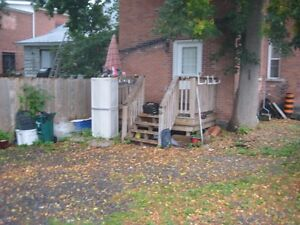One bedroom apartment in downtown Arnrior for rent