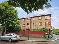 2 bedroom flat in Timber Pond Road, Rotherhithe SE16