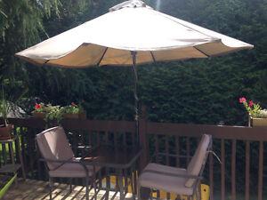 Parasol et table de patio