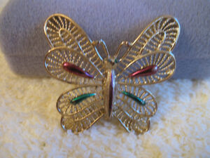 COLORFUL VINTAGE FILIGREED HIGH-SHINE GOLDTONE BUTTERFLY BROOCH