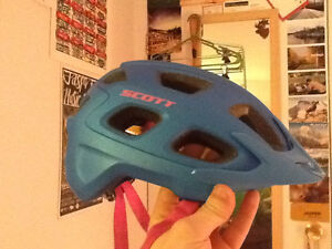 Women's SCOTT Vivo plus mips helmet