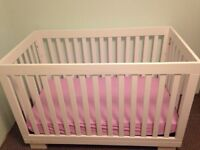 Crib/toddler bed with Simmons mattress