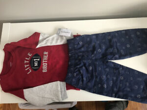 Carters NWT 18 month Outfit