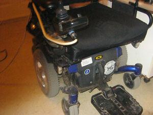Quantum 6000 XL Power Wheelchair