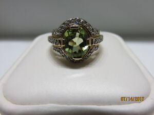 LADIES 10KT YELLOW GOLD AND DIAMOND RING (REDUCED)