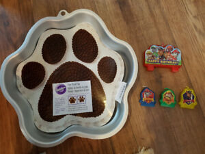 PAW Cake Pan (used Paw Patrol Bday) with new Paw Patrol Candles