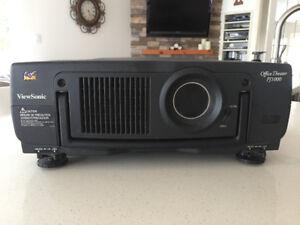 ViewSonic PJ1000 projector/screen 155X155