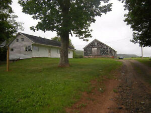 10.86 ACRES IN CENTREVILLE WITH LARGE BARN AND FIXER UPPER
