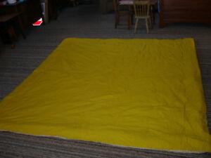 Full Queen Clean Comforter