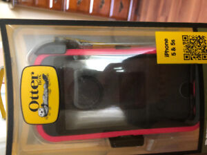 Otter box phone case for iPhone 5 and 5s