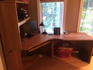 Meuble d'ordinateur professionel avec huche. West Island Greater Montréal image 4