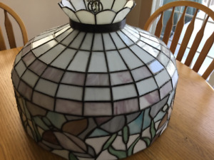AUTHENTIC STAINED GLASS LAMP SHADE COMPLETE WITH HARDWARE.