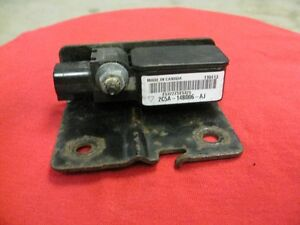 Ford Explorer 2004 air bag crash sensor London Ontario image 1