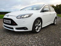 2014 64 FORD FOCUS 2.0T ST3 250 BHP WHITE 5 DOORS**FULL FORD SERVICE HISTORY**