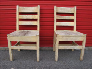 Pair solid oak chene Mission Arts Crafts antique chairs chaises