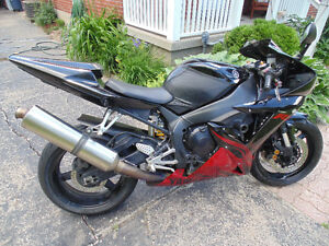Old Man sellling an R1