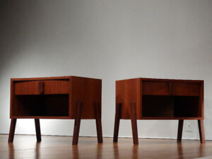 2 Tables de chevet en teck / 2 Teak bedside tables