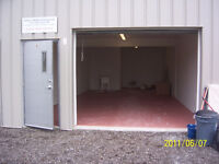 Great Inventory & Shop Space Avail w/Bathroom - 667' sq Ft