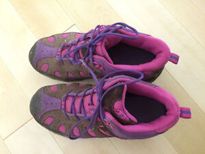 Girls Merrell shoes for fall/spring size 3.5 Kitchener / Waterloo Kitchener Area image 5
