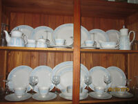 """GORGEOUS COMPLETE SET OF DINNER DISHES """"ROYAL DOULTON"""" SALE"""