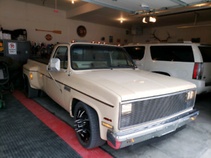 1987 chevy 3500 dually towing capacity