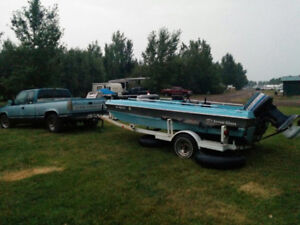 Fishing/Tubing Boat 140HP on the back