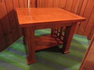1 HEAVY DUTY OAK SOLID WOOD COFFEE TABLE OR SIDE TABLE