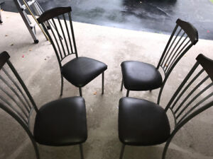 4 kitchen chairs (metal and wood)