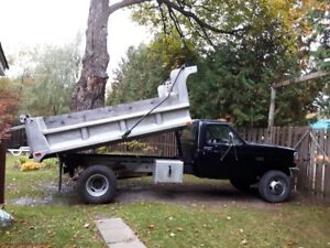 Ford dompeur camion benne 1991 diesel F-3500XL 6 roues