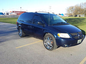 "LOOK <> 22"" Wheels Dodge Caravan"