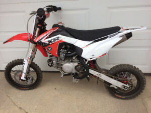 2015 PITSTER PRO LXR 155R **TAKING OFFERS**