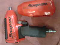 snapon snap on MG325 3/8 impact wrench gun like new + cover !!!