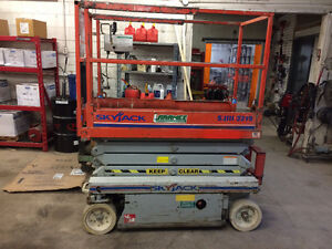 Scissor Lift Kijiji Free Classifieds In Manitoba Find A Job Buy A Car Find A House Or