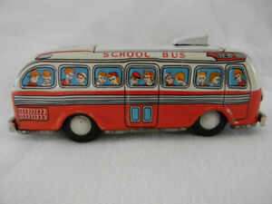 ANTIQUE TIN LITHOGRAPH BATTERY OPERATED MODERN TOYS SCHOOL BUS