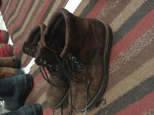 Lightly used Rockport boots