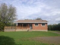 Country home available Nov 1-3 bedroom,1 bath,10 mins from town
