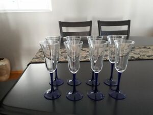 Set of 8 Champagne/Wine glasses