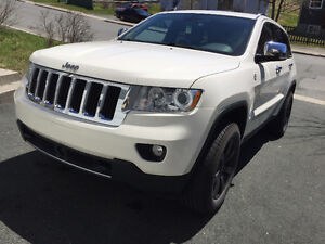 Reduced! 2012 Jeep Grand Cherokee Limited - Like new