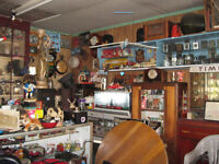 Yard Sale /Garage Sale/ Pickers Welcome/Antiques/Collectables