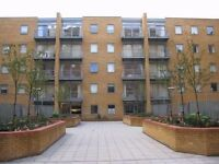DOUBLE ROOM TO RENT IN MOORE HOUSE E14