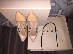 Brand new Burberry Pumps!!!