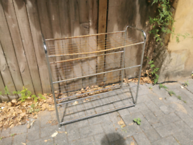 Free metal shelf unit