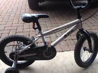 Children's/kids bicycle/bike with stabilisers