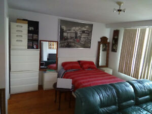 AVAILABLE NOW BACHELOR STUDIO FOR SINGLE MAN, SEPARATE ENTRANCE