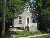 DOWNTOWN 6 BDRM STUDENT HOME - ALL INCLUSIVE - $420